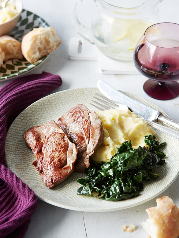 Lamb steaks with cheesy mashed potatoes